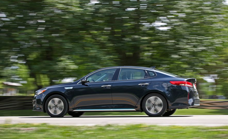 2017 Kia Optima Plug-In Hybrid - Slide 7