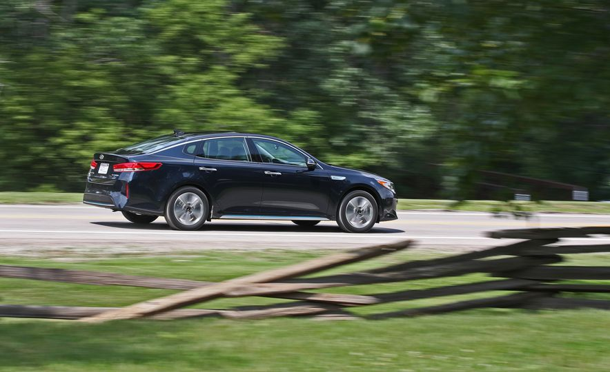 2017 Kia Optima Plug-In Hybrid - Slide 11