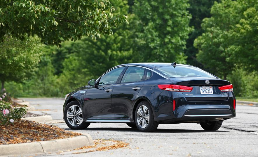 2017 Kia Optima Plug-In Hybrid - Slide 14