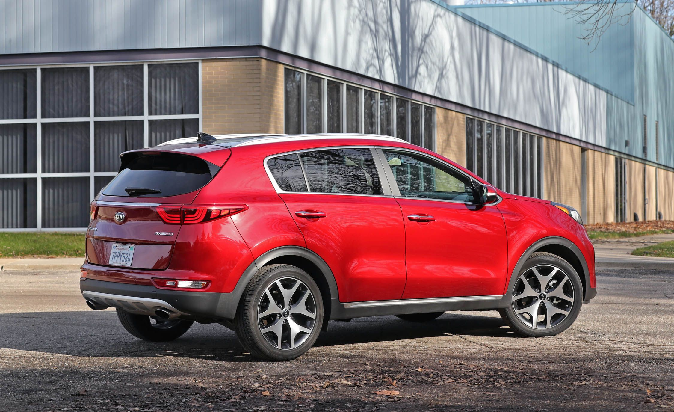 Kia Sportage Reviews Price Photos And Specs Car