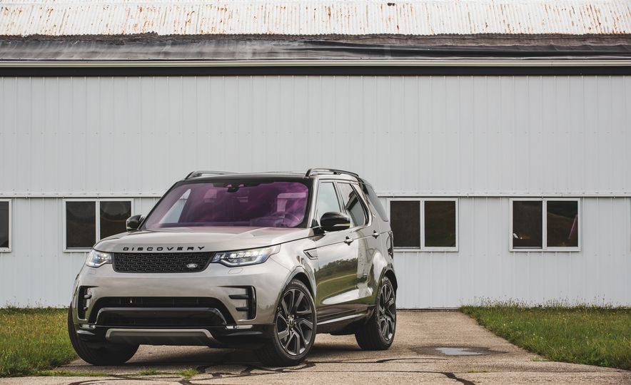 2017 Land Rover Discovery - Slide 10
