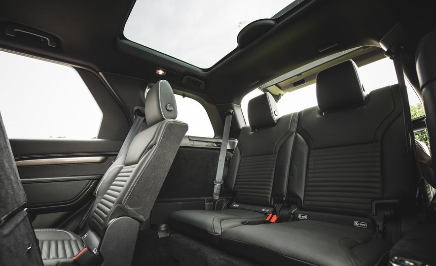 2017 Land Rover Discovery - Slide 70