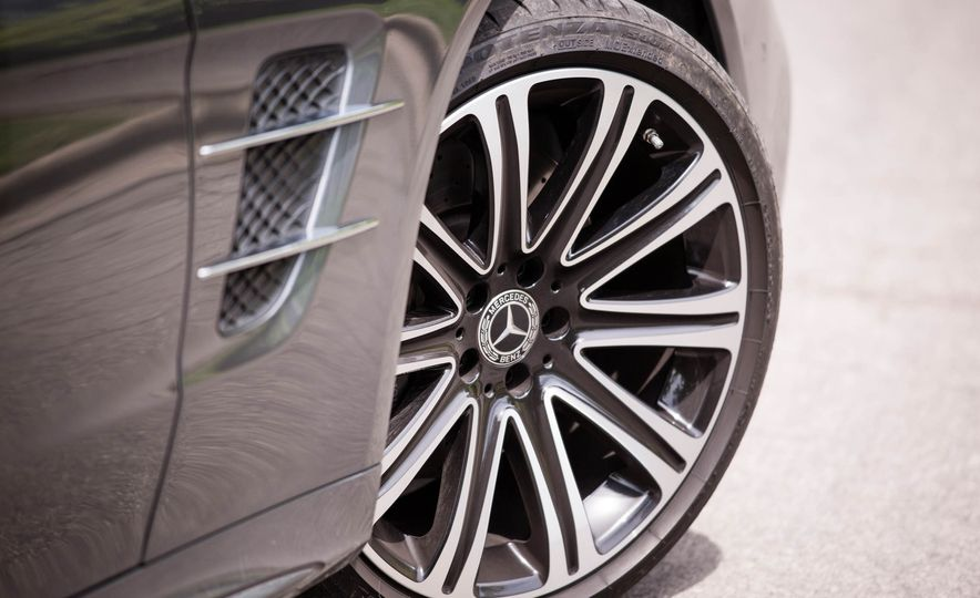 2017 Mercedes-Benz SL - Slide 28