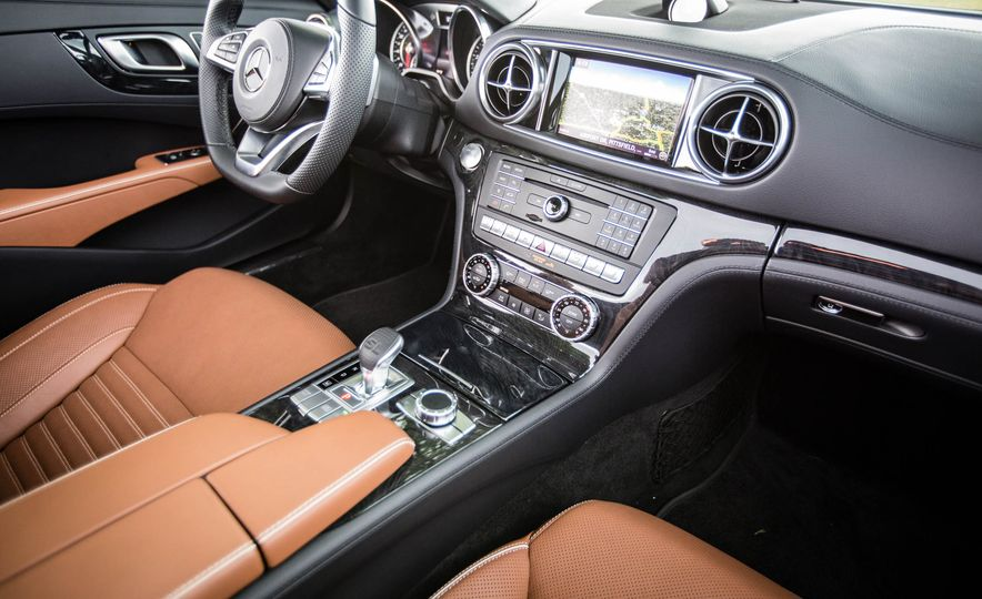 2017 Mercedes-Benz SL - Slide 29