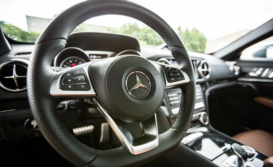 2017 Mercedes-Benz SL - Slide 31