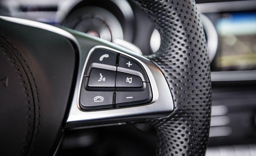 2017 Mercedes-Benz SL - Slide 32