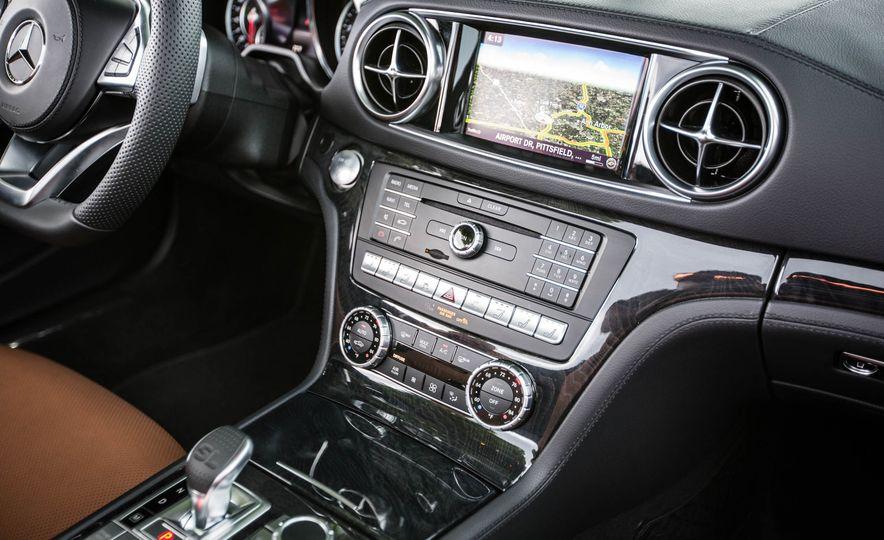 2017 Mercedes-Benz SL - Slide 38