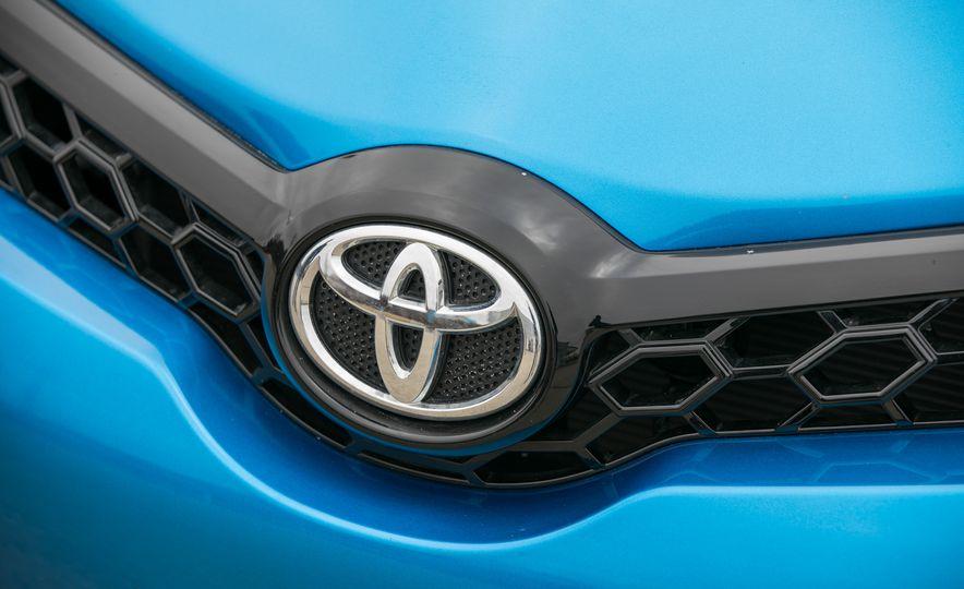 2017 Toyota Corolla iM - Slide 21