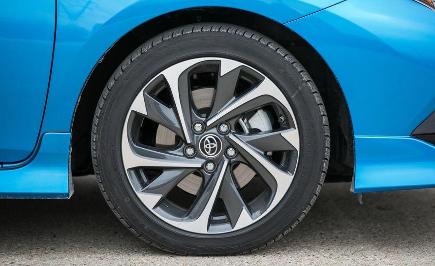 2017 Toyota Corolla iM - Slide 25