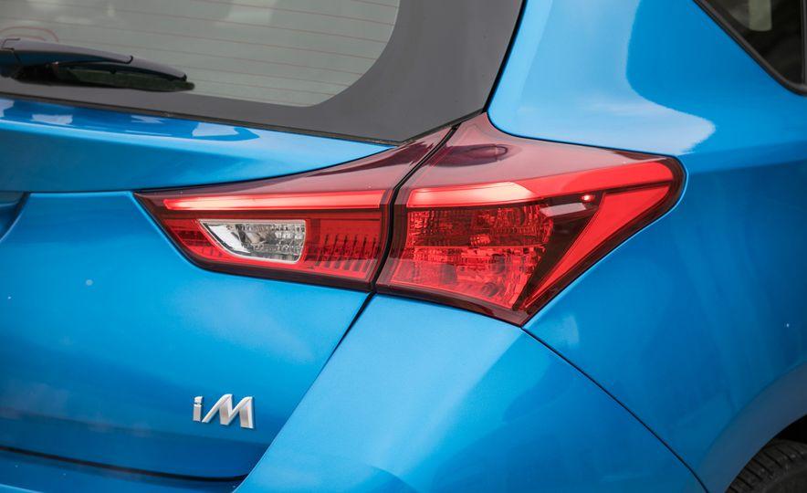 2017 Toyota Corolla iM - Slide 33