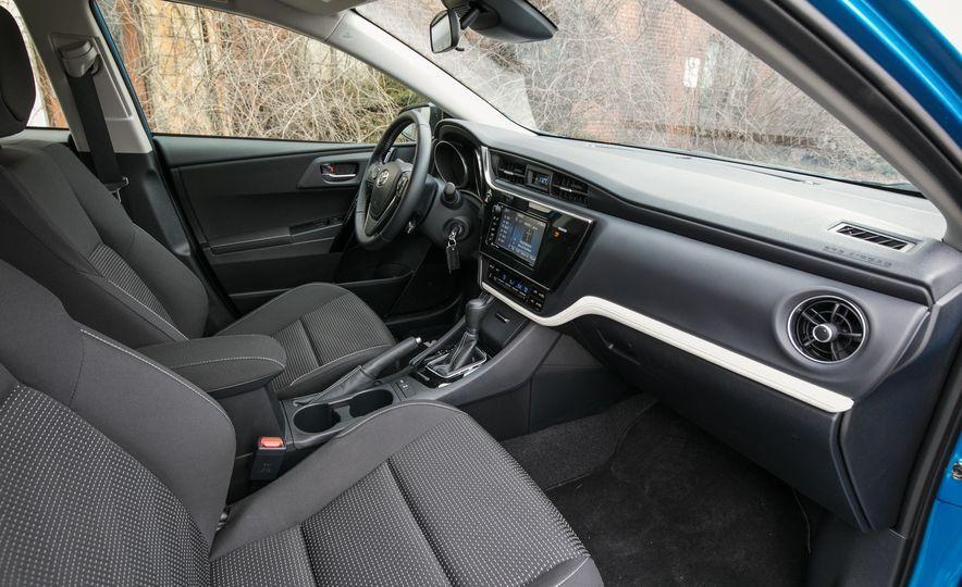 2017 Toyota Corolla iM - Slide 38