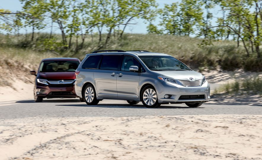 2017 Chrysler Pacifica Limited, 2017 Toyota Sienna Limited Premium, and 2018 Honda Odyssey Elite - Slide 23