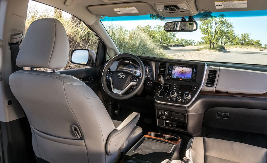 2017 Chrysler Pacifica Limited, 2017 Toyota Sienna Limited Premium, and 2018 Honda Odyssey Elite - Slide 27
