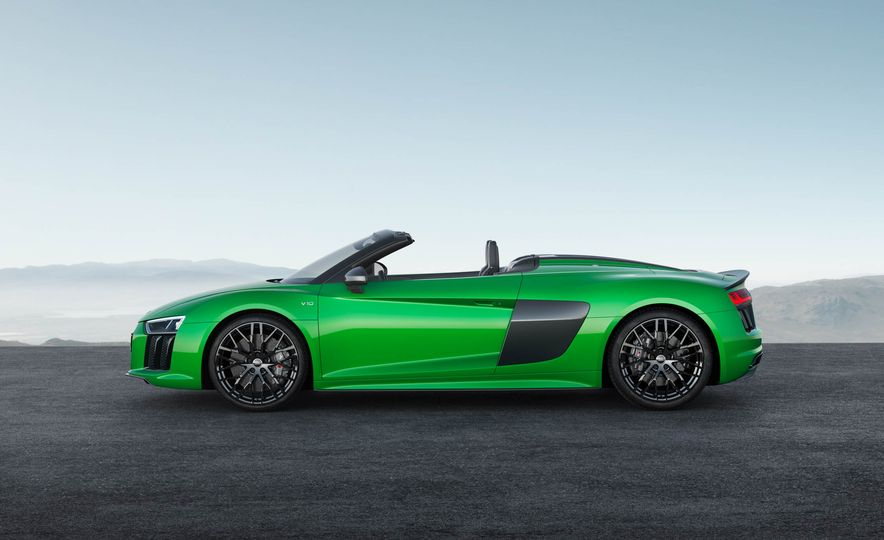Audi R8 Spyder V10 Plus - Slide 2