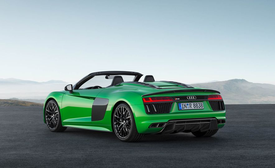 Audi R8 Spyder V10 Plus - Slide 4