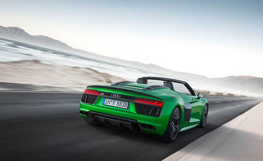 Audi R8 Spyder V10 Plus - Slide 8