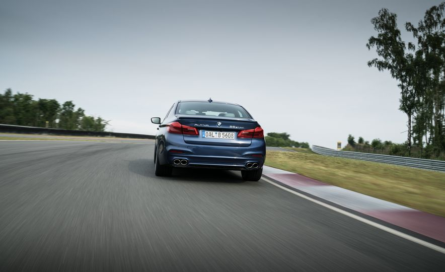 2018 BMW Alpina B5 Biturbo - Slide 32