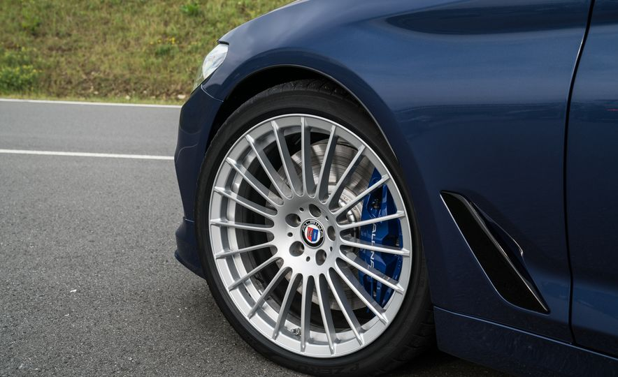 2018 BMW Alpina B5 Biturbo - Slide 52