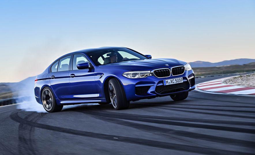 2018 BMW i3 and 2018 BMW i3s - Slide 26