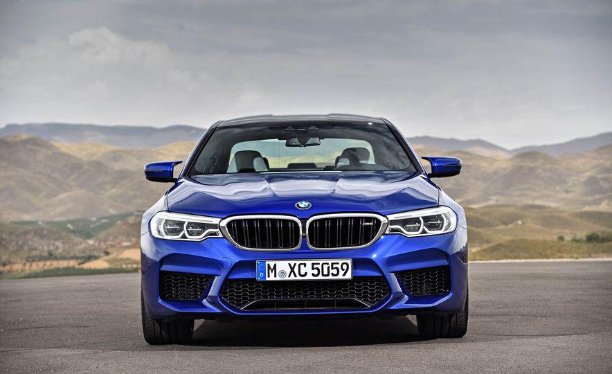 2018 BMW M5 - Slide 19