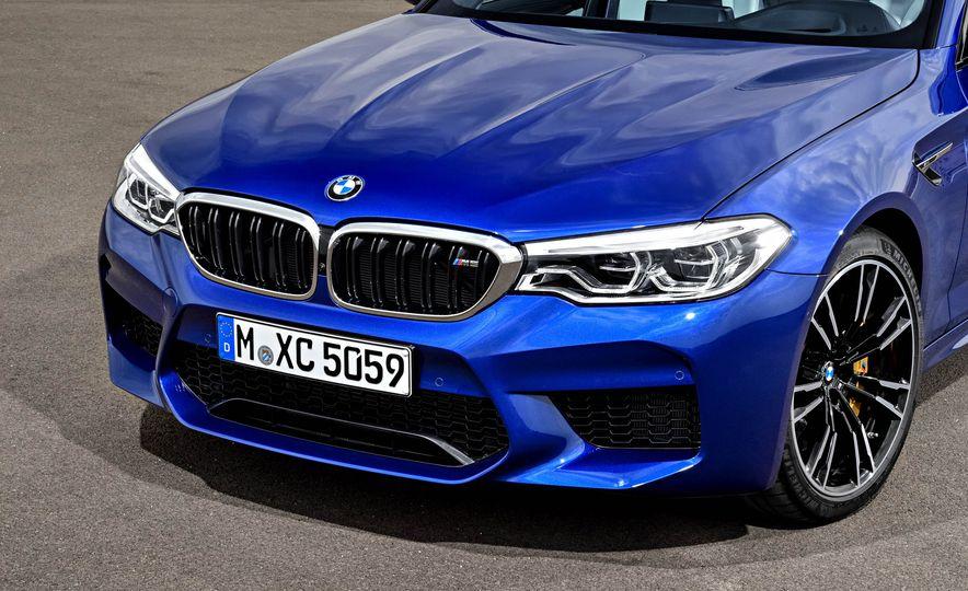 2018 BMW M5 - Slide 24