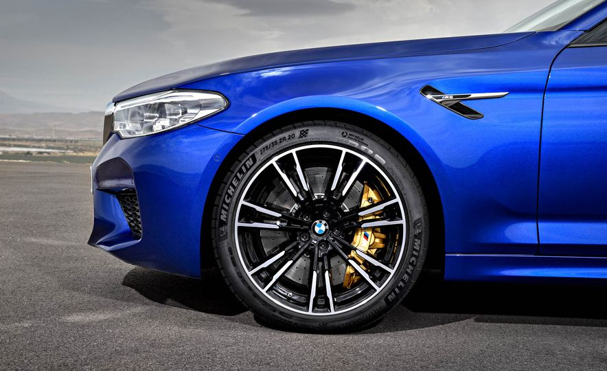 2018 BMW M5 - Slide 28