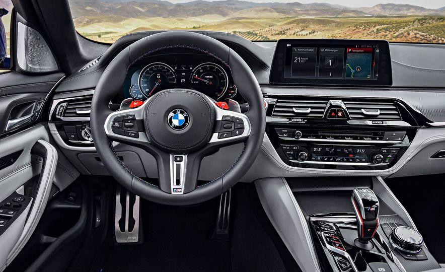 2018 BMW M5 - Slide 32