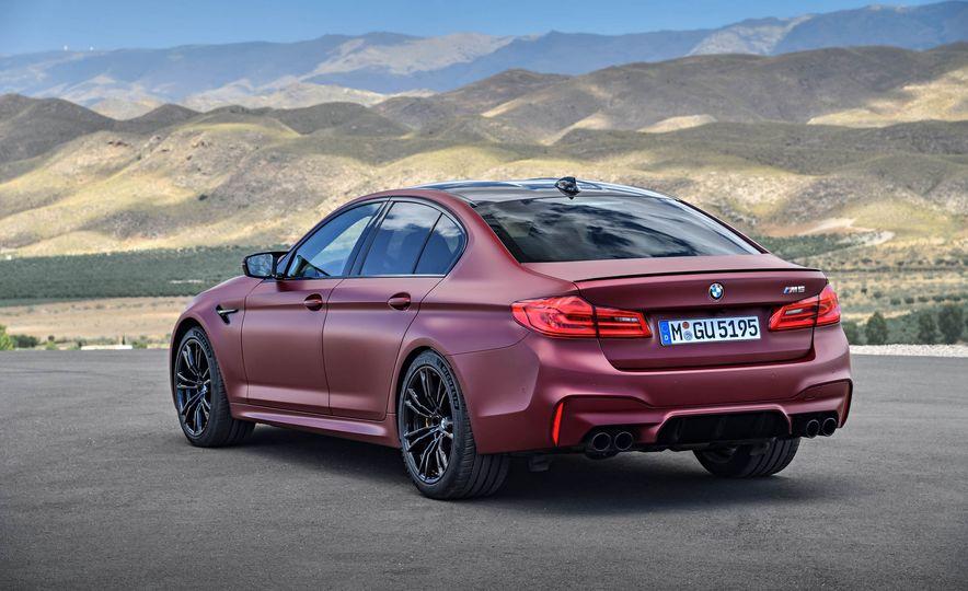 2018 BMW i3 and 2018 BMW i3s - Slide 29