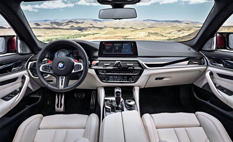 2018 BMW i3 and 2018 BMW i3s - Slide 30