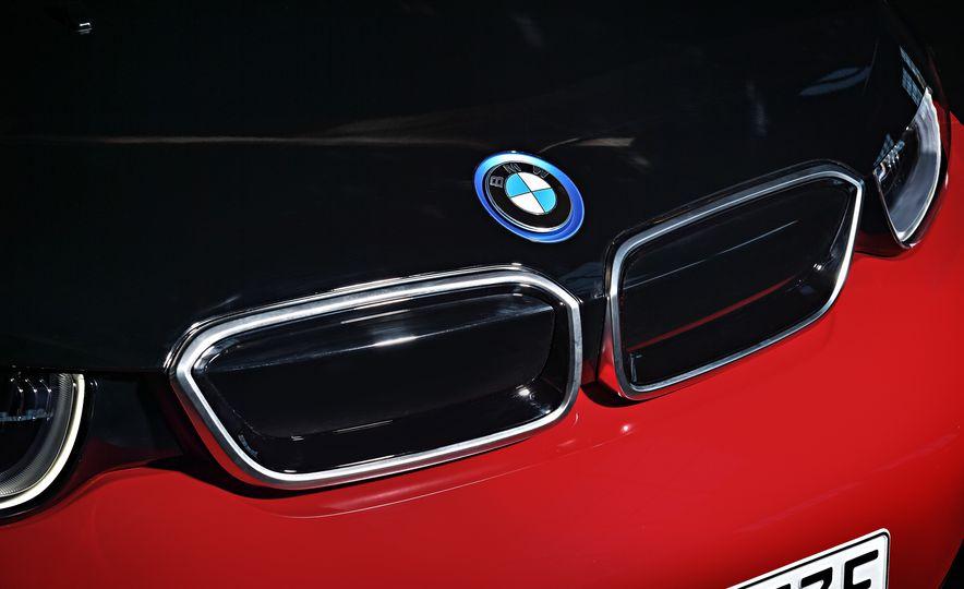 2018 BMW i3s - Slide 30