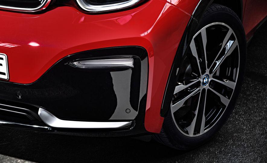 2018 BMW i3s - Slide 31