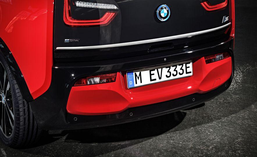 2018 BMW i3s - Slide 32