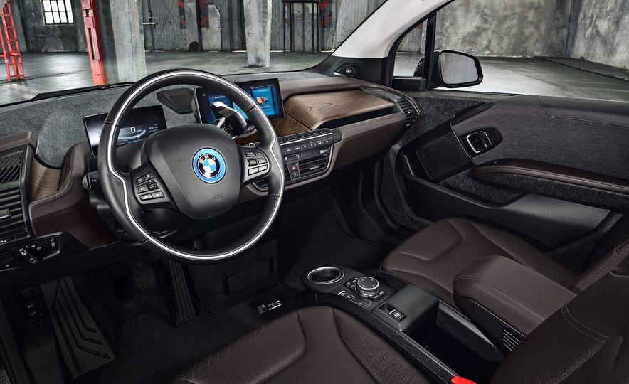 2018 BMW i3s - Slide 34
