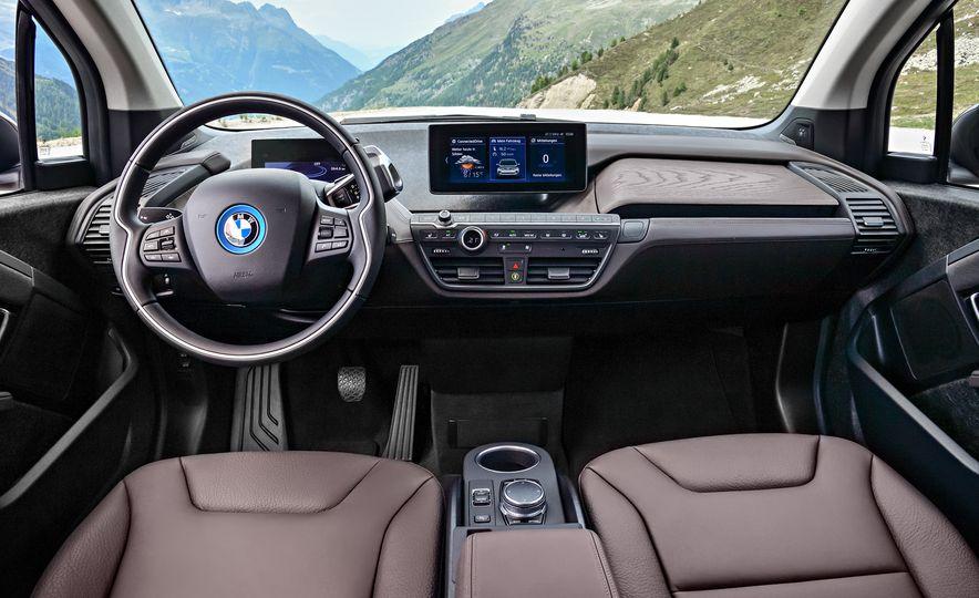 2018 BMW i3 and 2018 BMW i3s - Slide 4