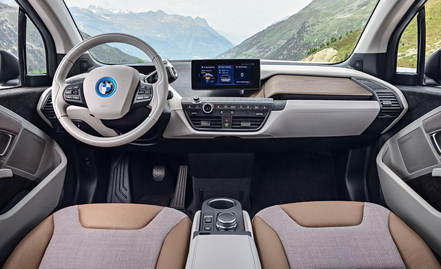 2018 BMW i3 and 2018 BMW i3s - Slide 9