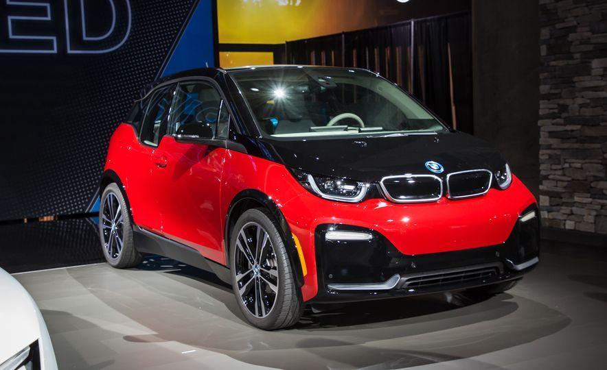 2018 BMW i3s - Slide 1