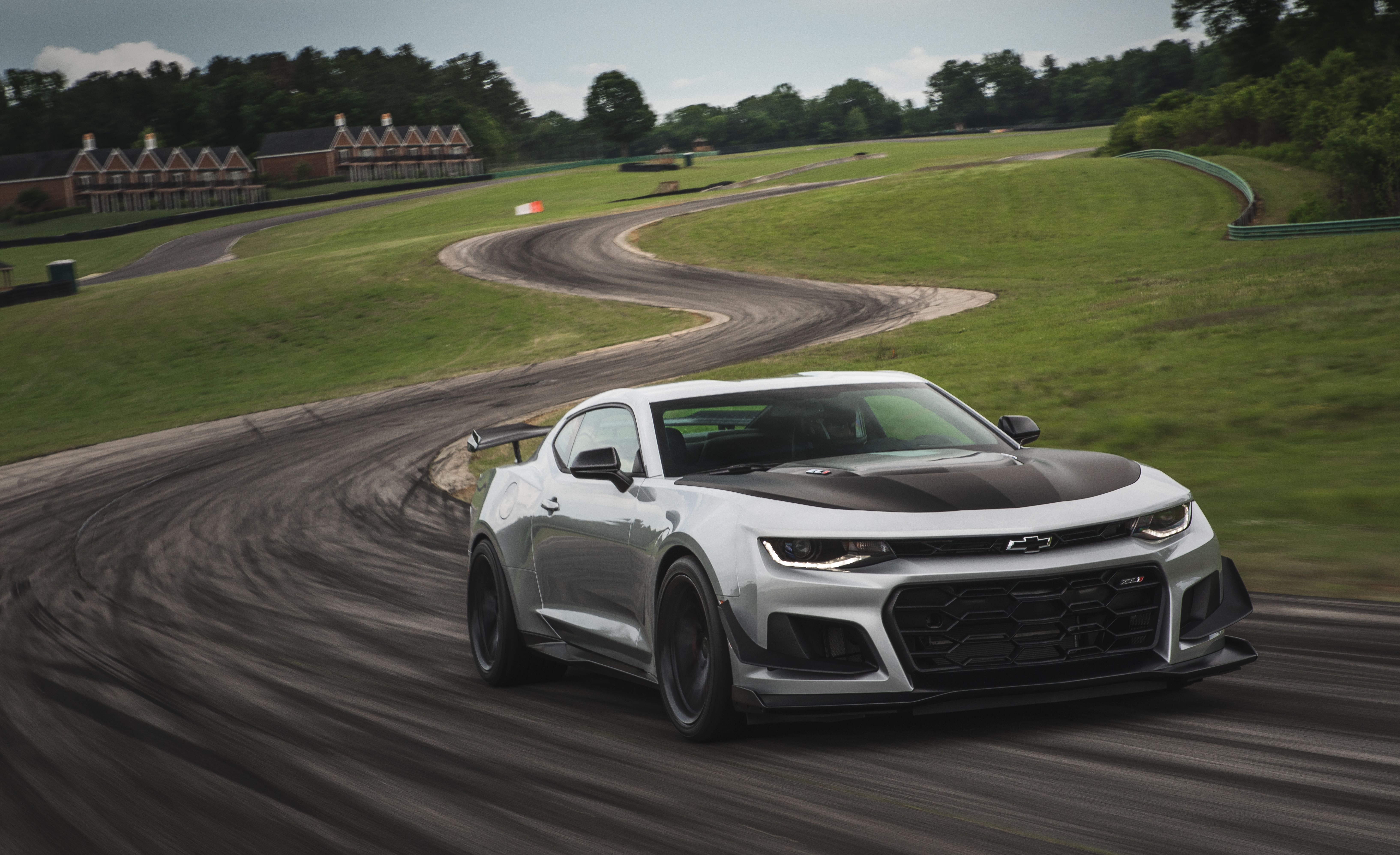 ZL1 + 1 LE: What Sets the Chevrolet Camaro ZL1 1LE Apart from the ZL1 - Slide 8