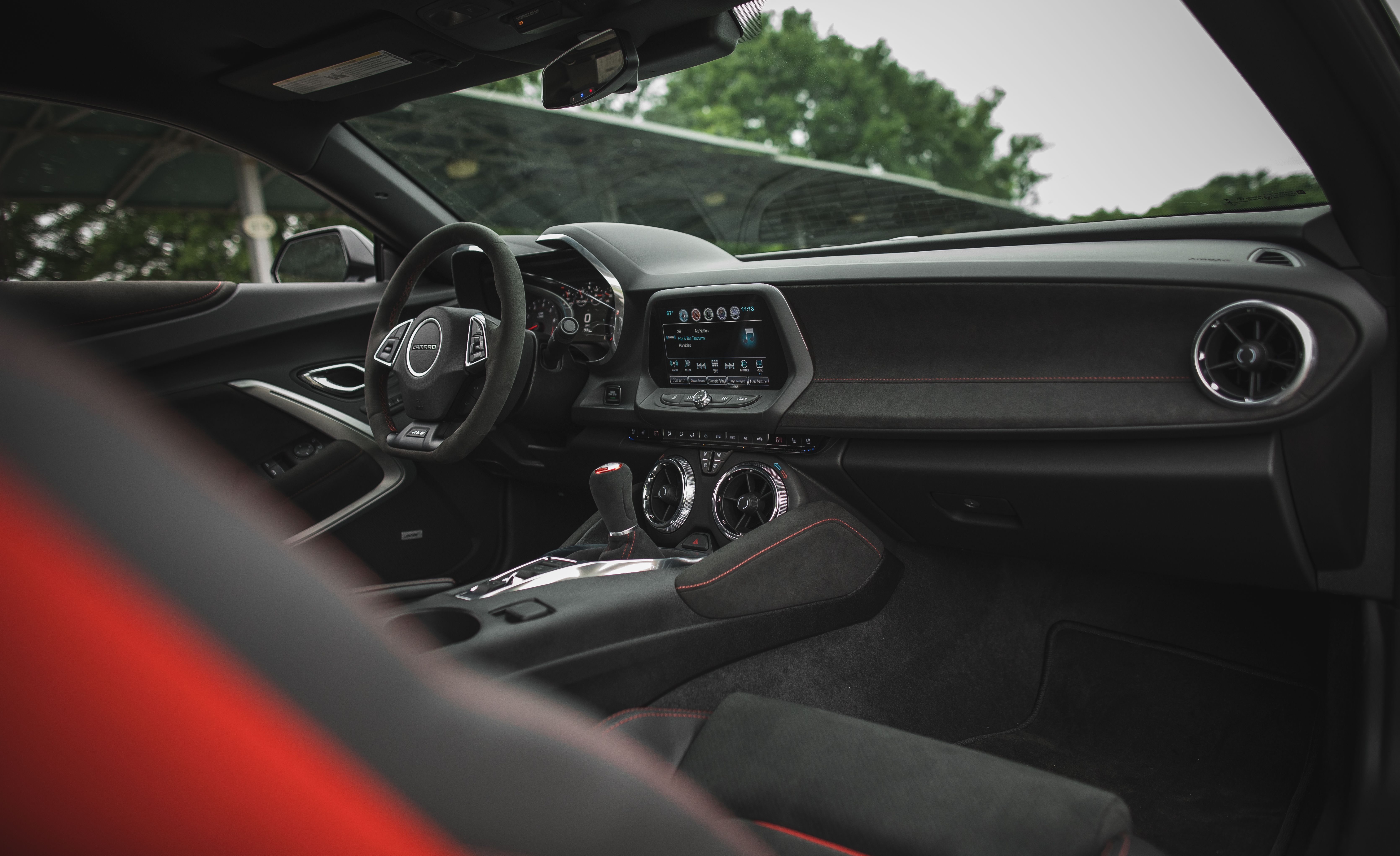 ZL1 + 1 LE: What Sets the Chevrolet Camaro ZL1 1LE Apart from the ZL1 - Slide 3