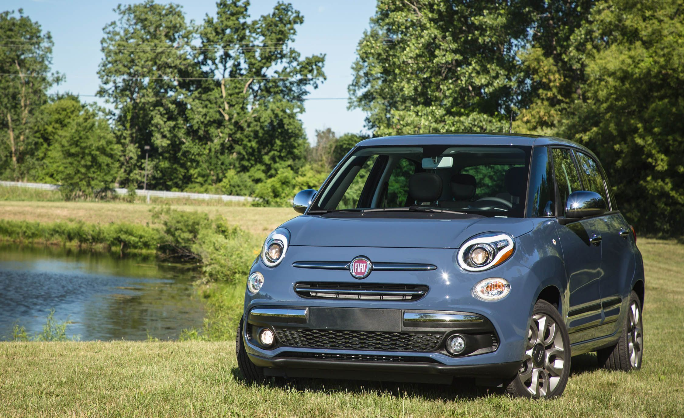 Fiat L Reviews Fiat L Price Photos And Specs Car And - Fiat 500l release date