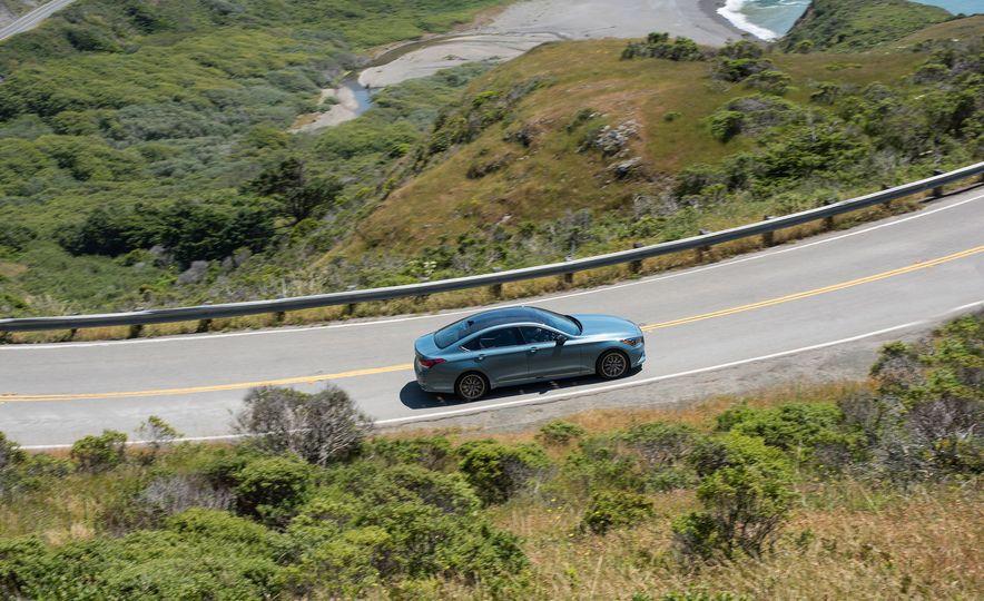 2018 Genesis G80 Sport AWD - Slide 12
