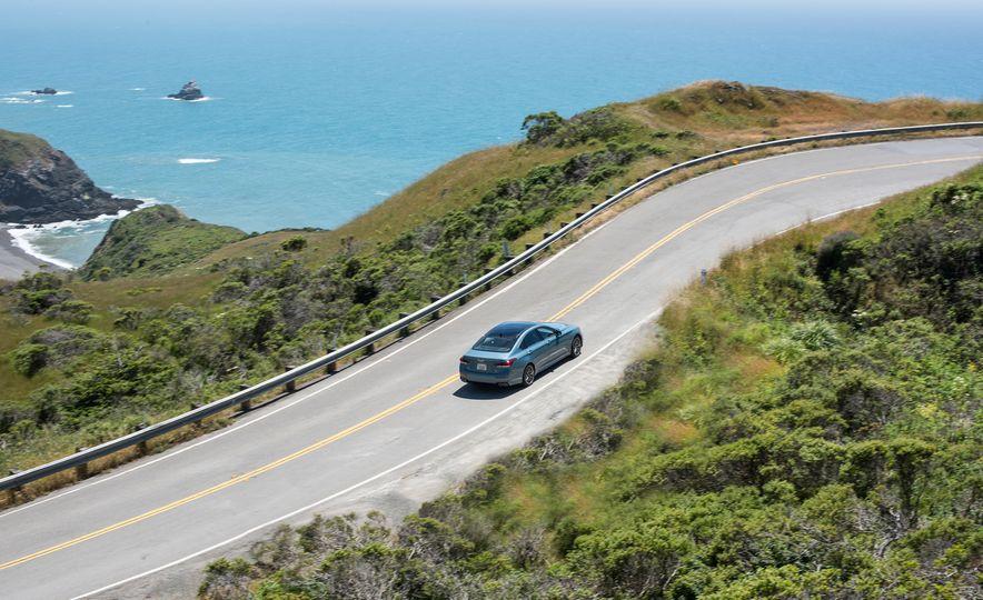 2018 Genesis G80 Sport AWD - Slide 13