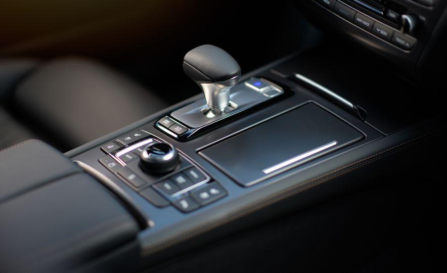 2018 Genesis G80 Sport AWD - Slide 31