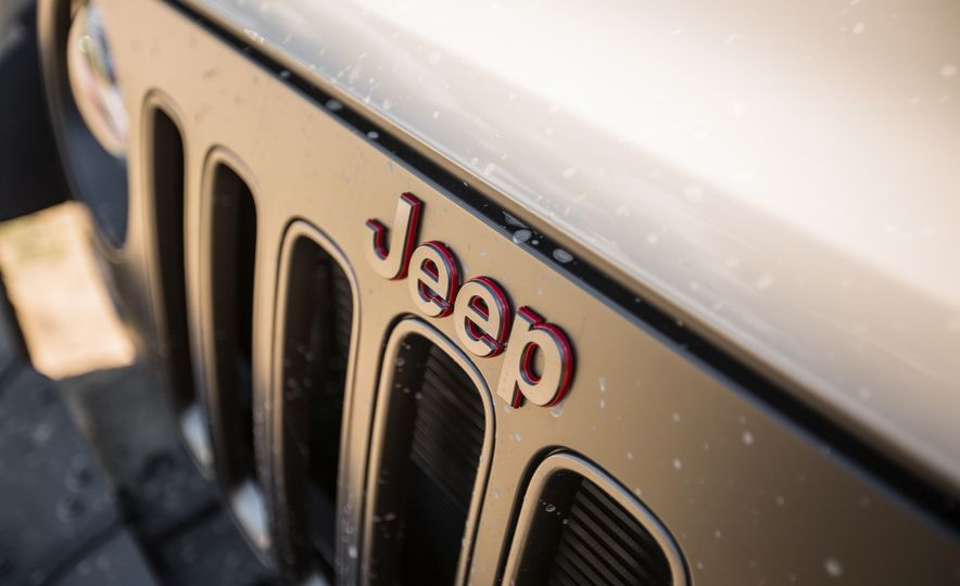 2018 Jeep Wrangler JK - Slide 5
