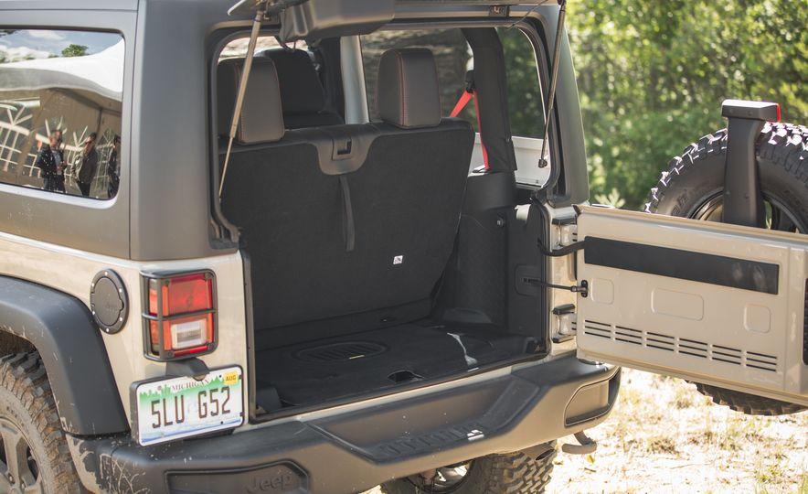 2018 Jeep Wrangler JK - Slide 9
