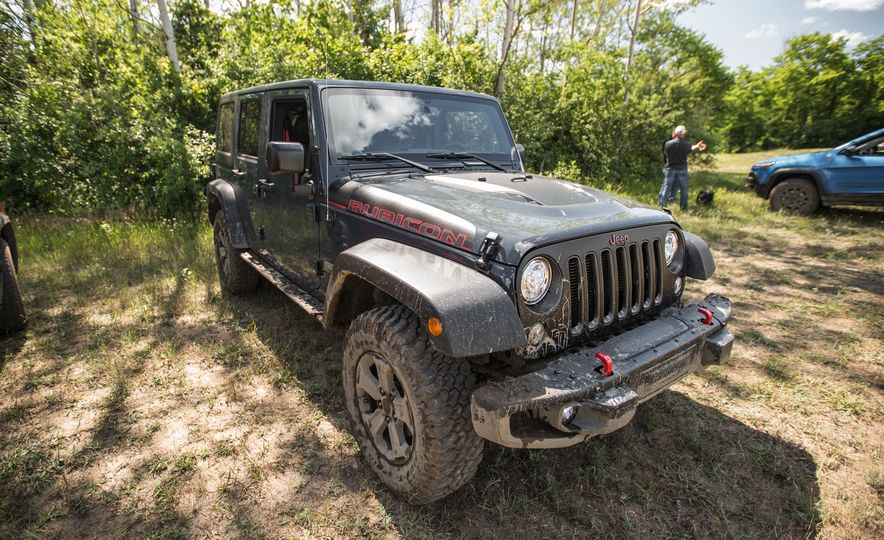 2018 Jeep Wrangler JK - Slide 24