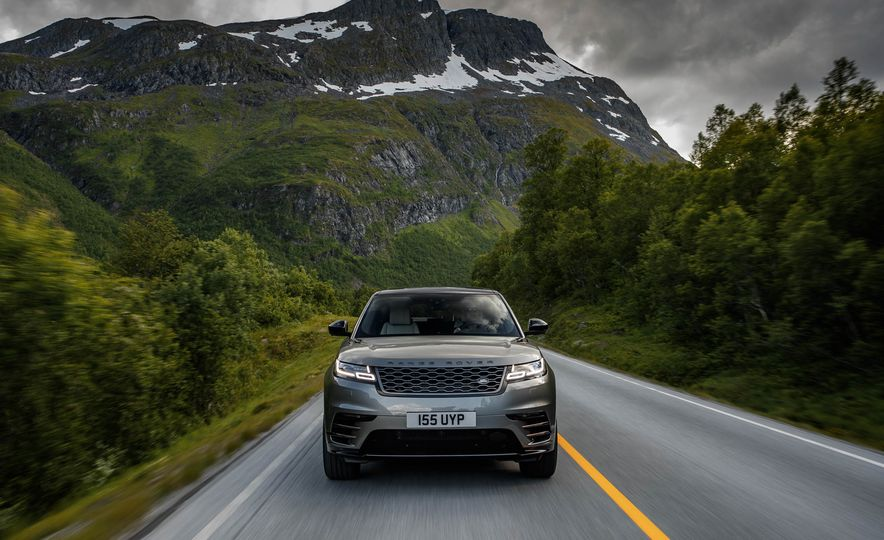 2019 Land Rover Discovery SVX - Slide 13