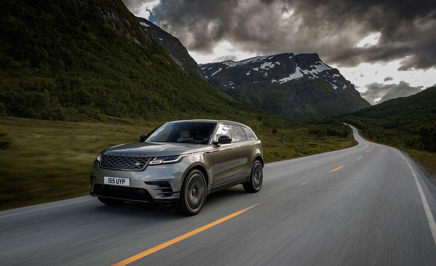 2019 Land Rover Discovery SVX - Slide 16