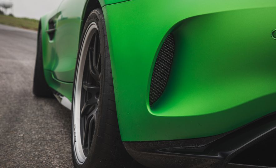 2018 Mercedes-AMG GT R: A Closer Look at Lightning Lap 11's Fastest Car - Slide 10