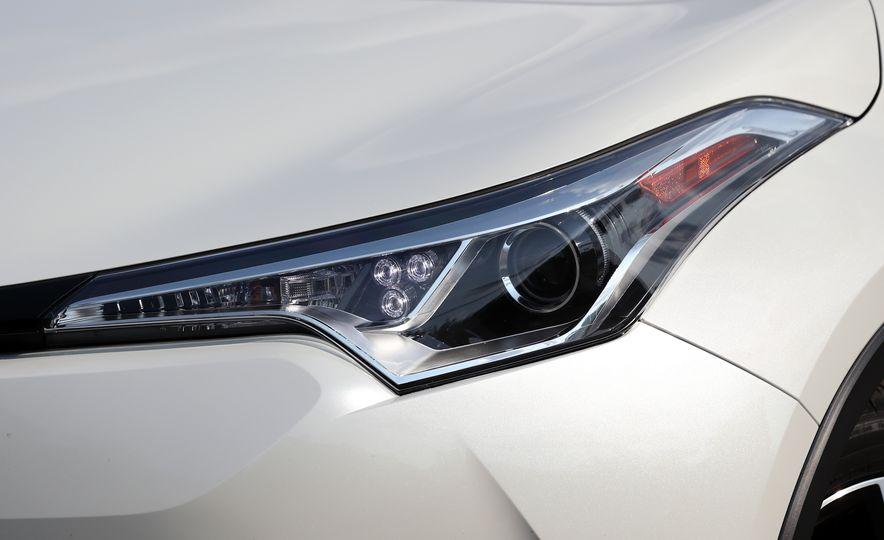 2018 Toyota C-HR - Slide 31