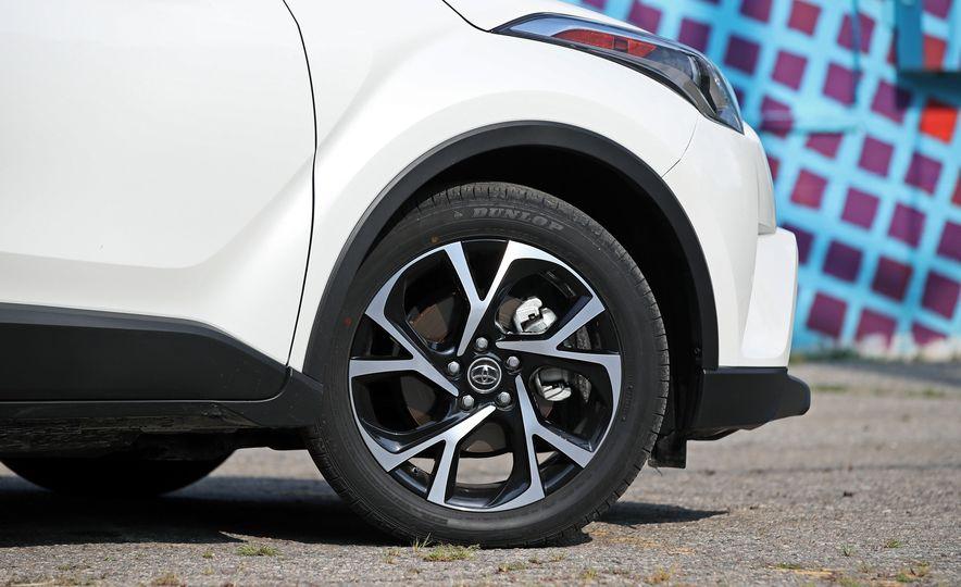 2018 Toyota C-HR - Slide 40